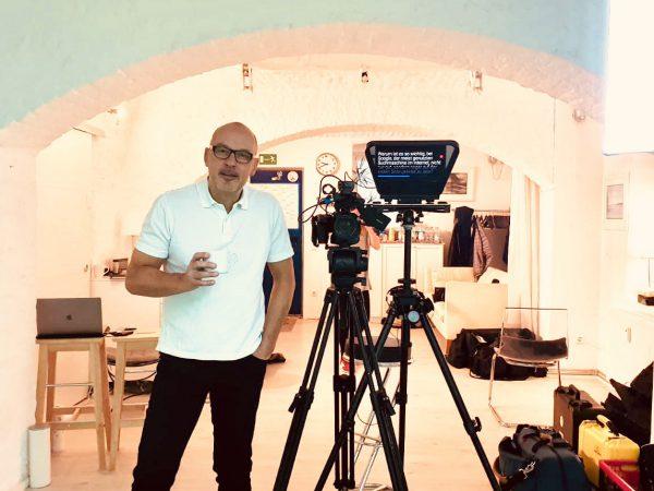 Autor und Produzent Andreas Purucker am Filmset